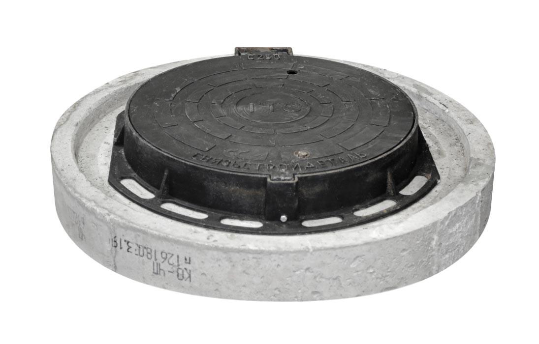Люк ГТС тяжёлый с замком из ВЧ с кольцом КО-ЧП